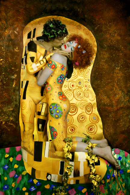 Gustav-Klimt-inspired-art-The-Kiss-reinterpretation-6